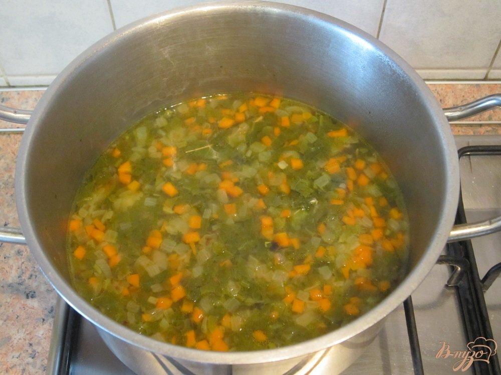 Фото приготовление рецепта: Зеленые щи шаг №10