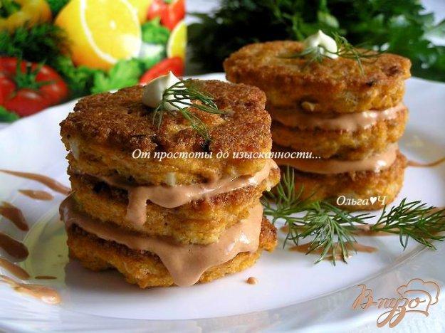 фото рецепта: Икорные башенки с розовым соусом