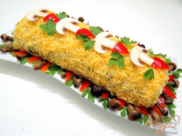 фото рецепта: Рисовый рулет с грибами