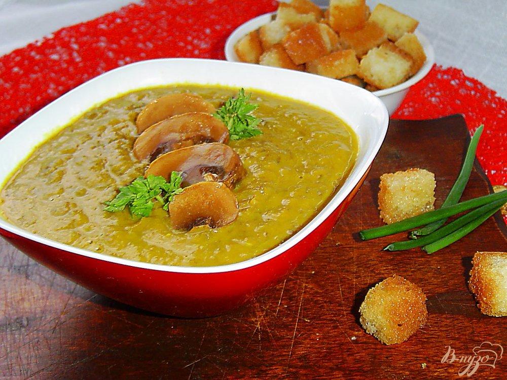 Фото приготовление рецепта: Суп-пюре чечевичный с грибами шаг №6