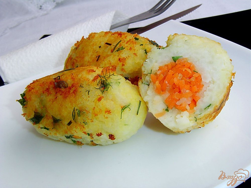 Фото приготовление рецепта: Котлеты рисово-картофельные с морковью шаг №7