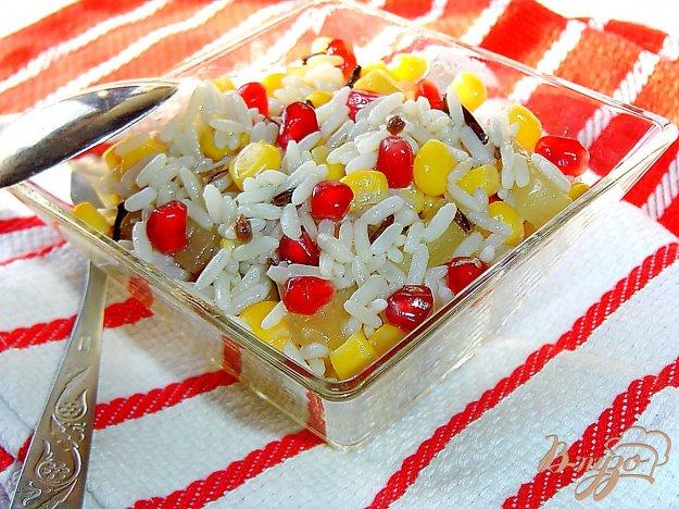 фото рецепта: Постный рисовый салат с кукурузой