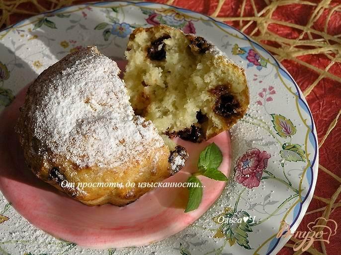 Фото приготовление рецепта: Творожные кексы с земляникой шаг №5