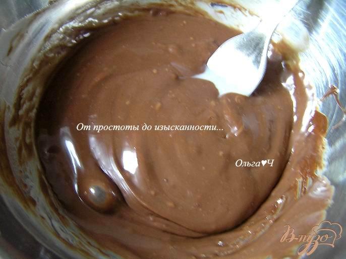 Фото приготовление рецепта: Шоколадное печенье с шоколадным кремом шаг №5