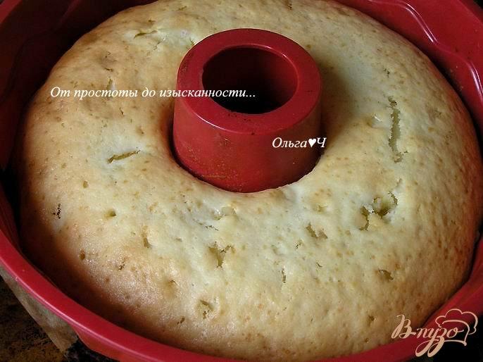 Фото приготовление рецепта: Шарлотка с яблоками шаг №6