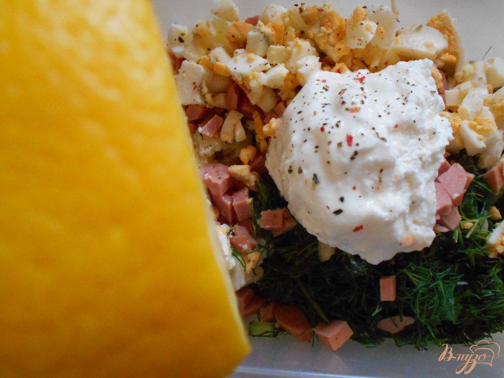 Фото приготовление рецепта: Окрошка на йогурте и лимонном соке шаг №9