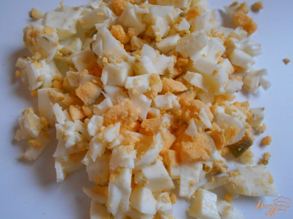 Фото приготовление рецепта: Окрошка на йогурте и лимонном соке шаг №3