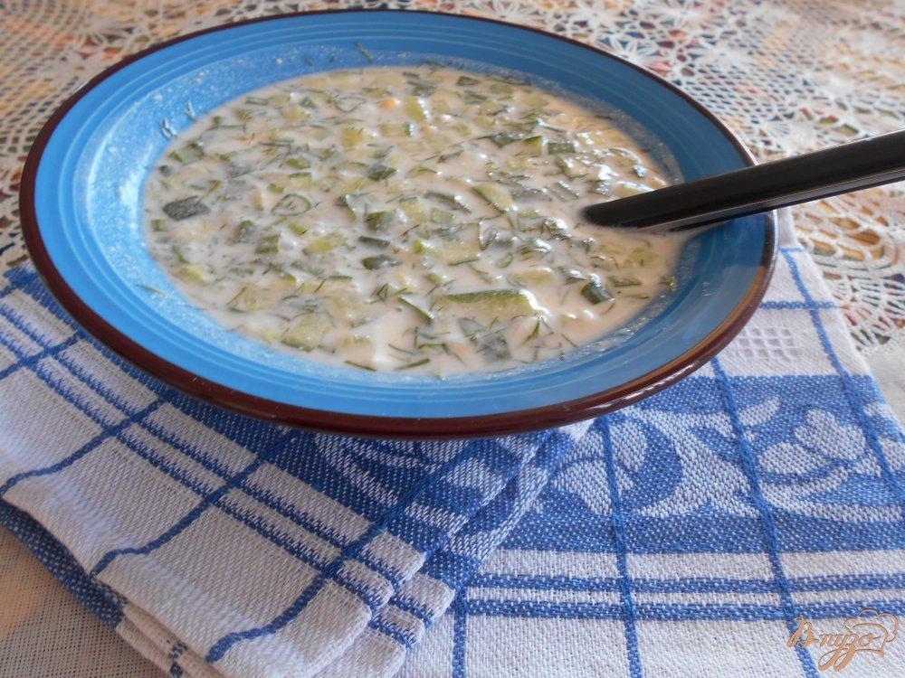 Фото приготовление рецепта: Окрошка на йогурте и лимонном соке шаг №10