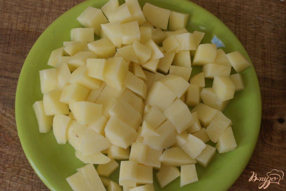 Фото приготовление рецепта: Курица с овощами в томатно-сметанном соусе шаг №4