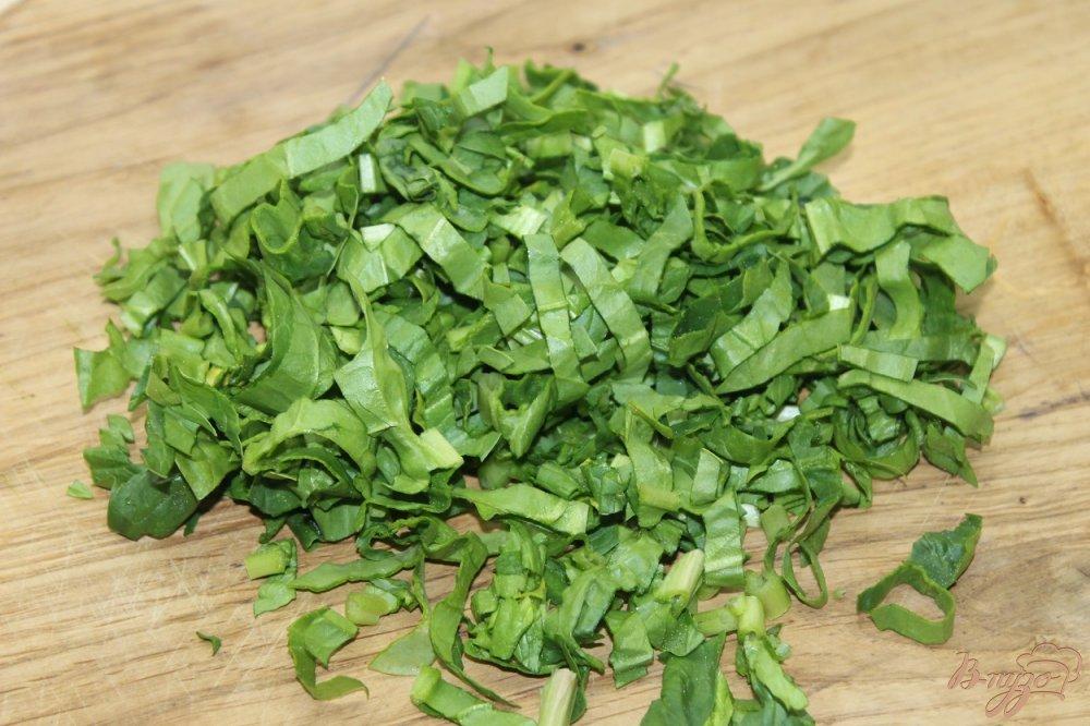 Фото приготовление рецепта: Шпинатный соус к рыбе шаг №2