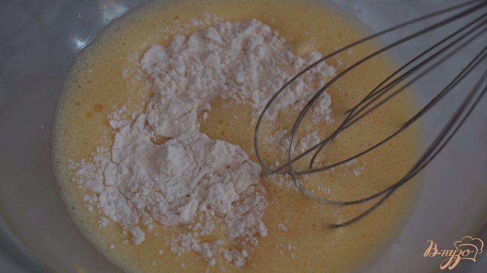 Фото приготовление рецепта: Блины на кефире шаг №3
