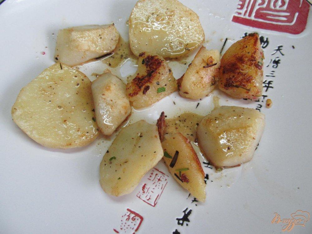 Фото приготовление рецепта: Теплый салат с курицей шаг №7