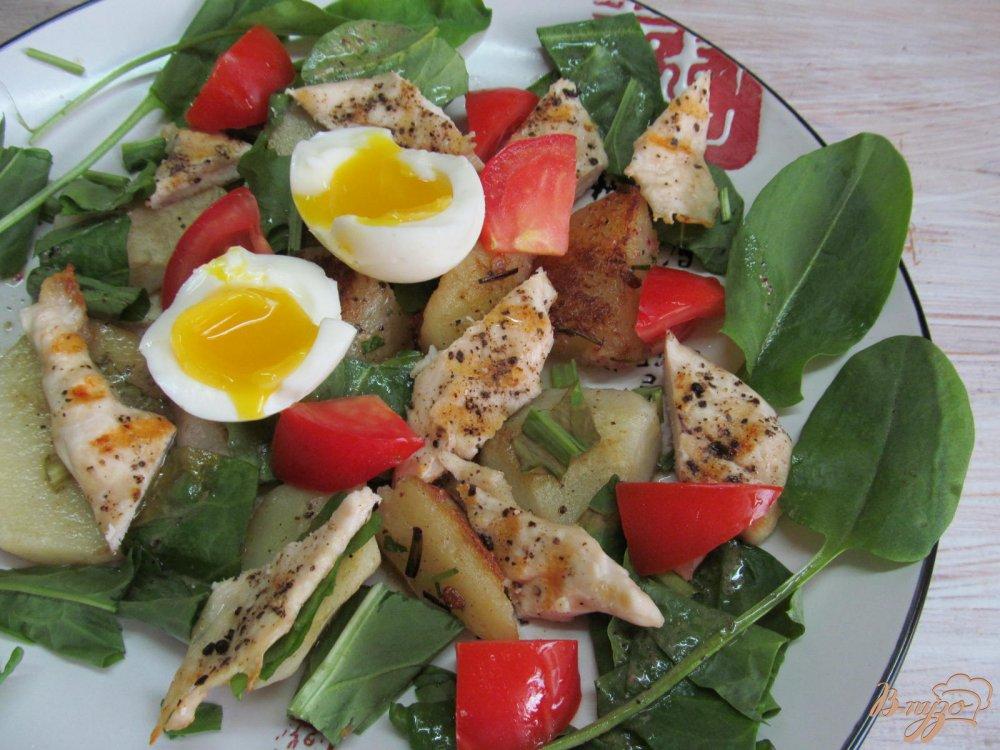 Фото приготовление рецепта: Теплый салат с курицей шаг №10