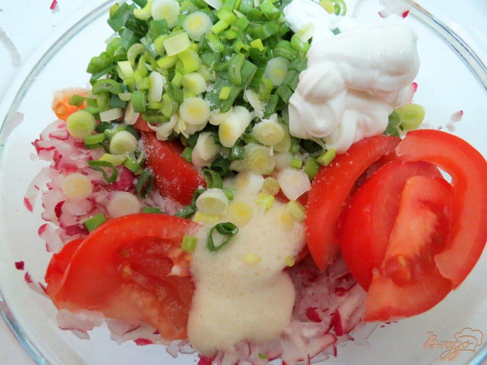 Фото приготовление рецепта: Салат с острой заправкой. шаг №7
