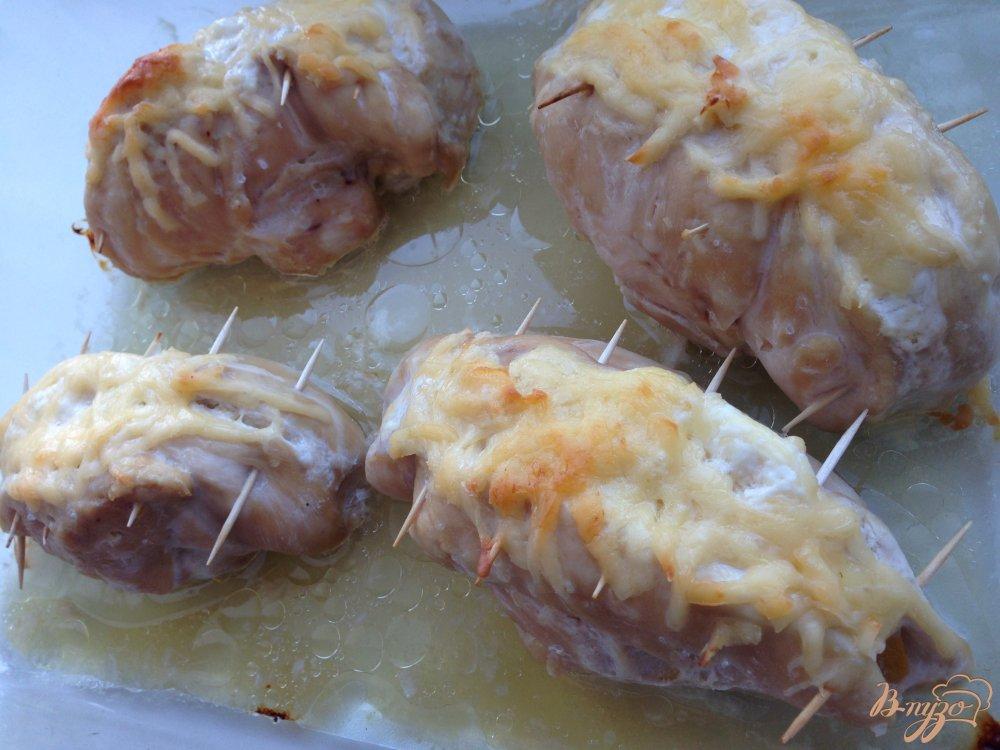 Фото приготовление рецепта: Фаршированные куриные грудки шаг №6