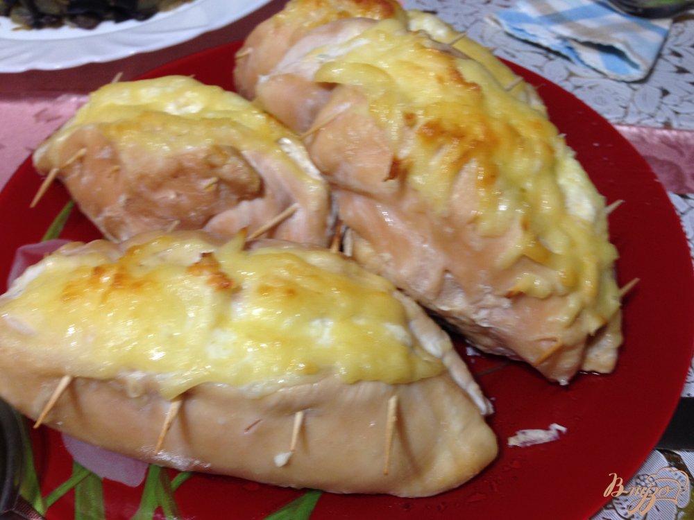 Фото приготовление рецепта: Фаршированные куриные грудки шаг №7