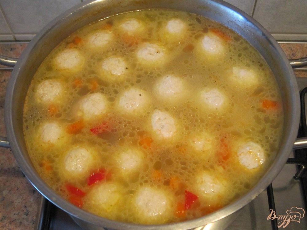 Фото приготовление рецепта: Суп с фрикадельками шаг №11