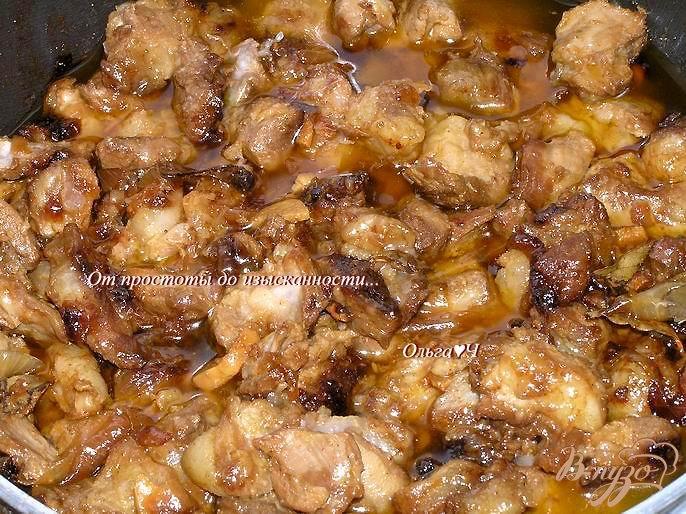 Фото приготовление рецепта: Пряная тушеная свинина шаг №5