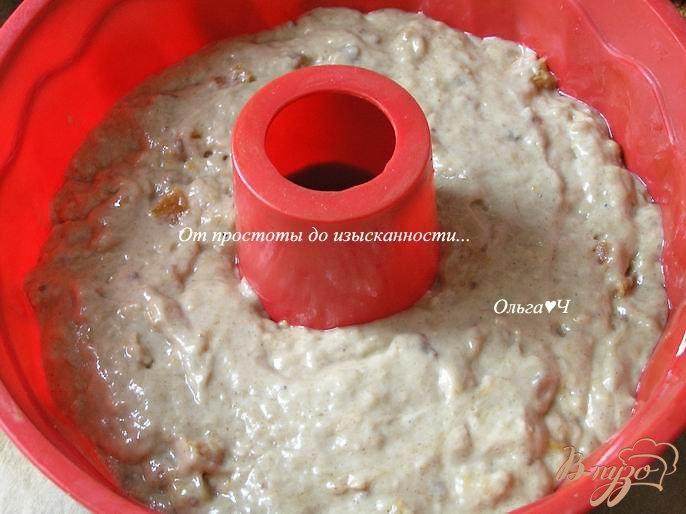Фото приготовление рецепта: Кекс на льняной муке с бананом и курагой шаг №4
