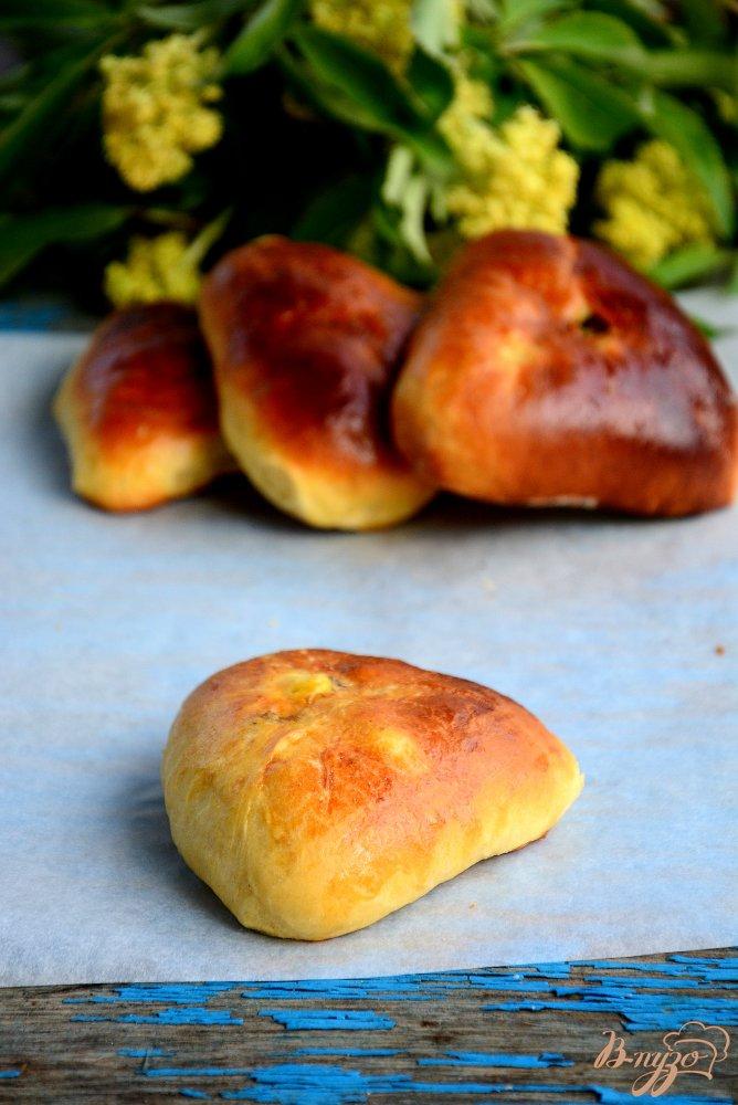 Фото приготовление рецепта: Пирожки на тесте без яиц шаг №11