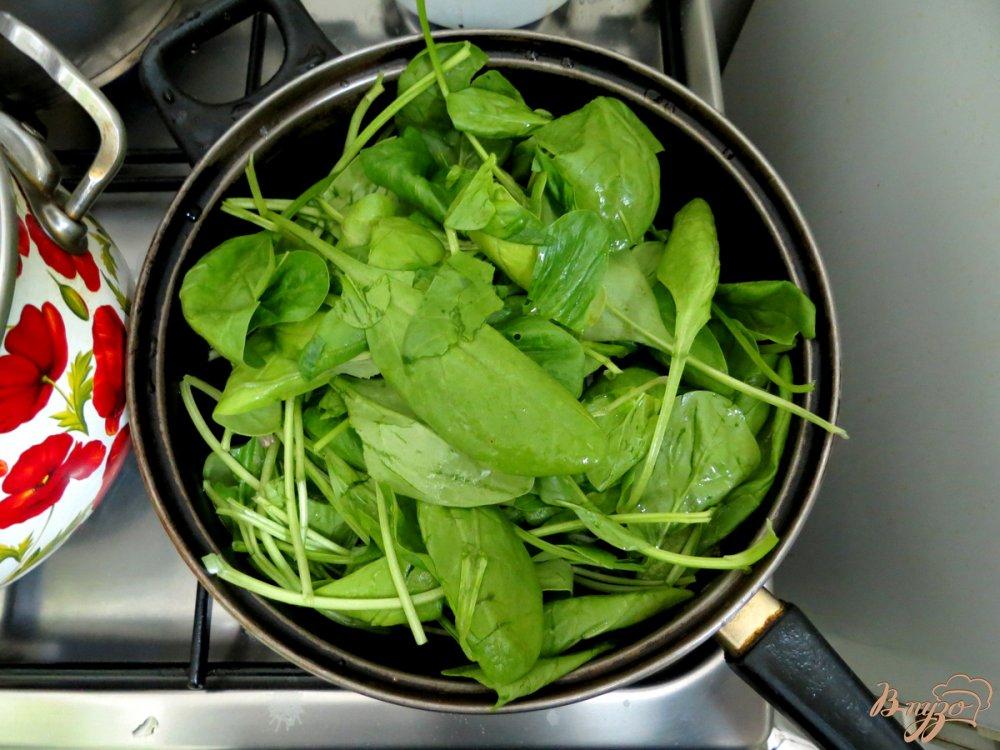 Фото приготовление рецепта: Суп с фрикадельками и шпинатом шаг №9