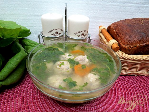 фото рецепта: Суп с фрикадельками и шпинатом