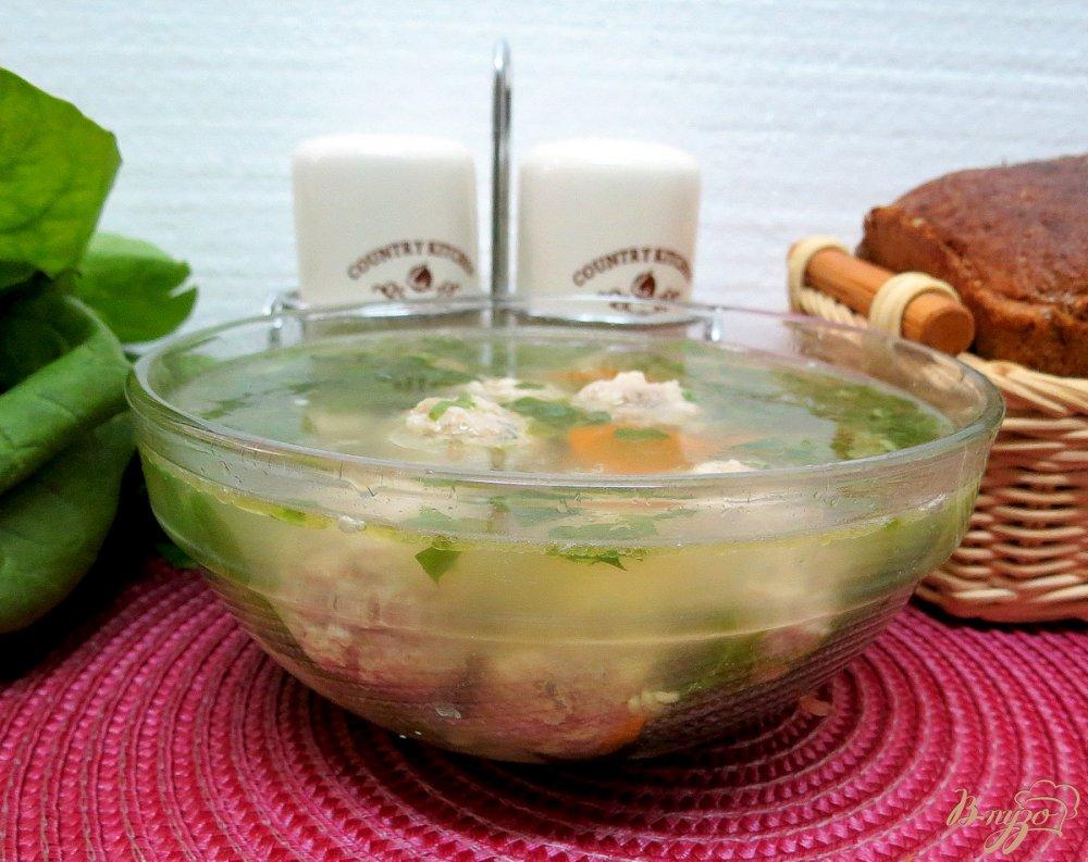 Фото приготовление рецепта: Суп с фрикадельками и шпинатом шаг №11