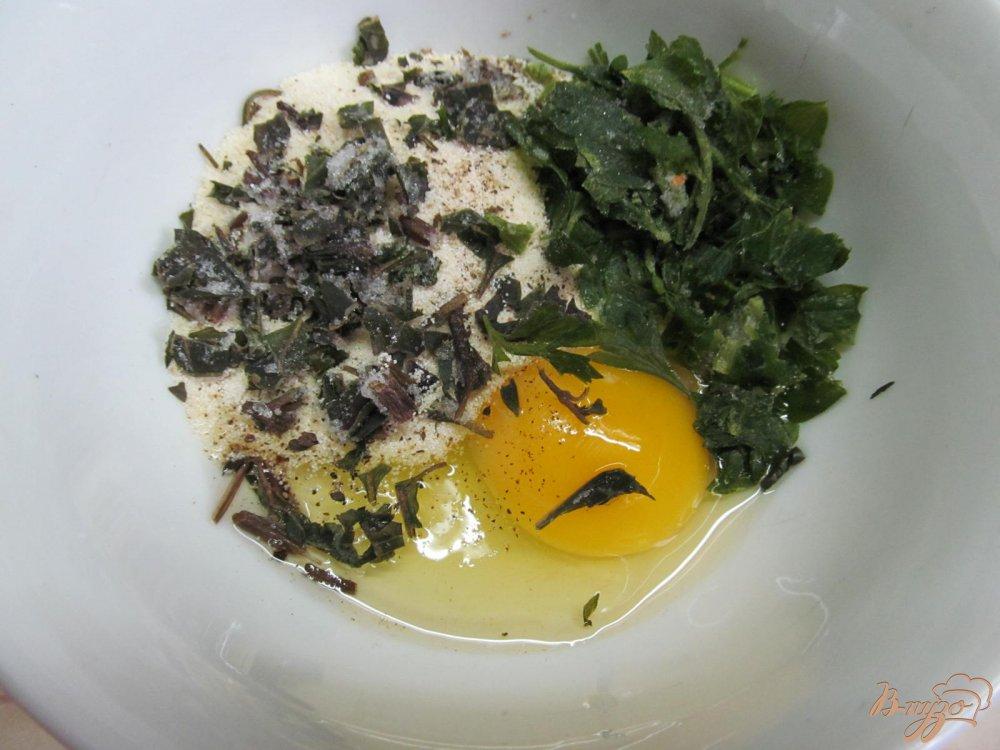 Фото приготовление рецепта: Суп на свиных костях с клецками из манки шаг №5