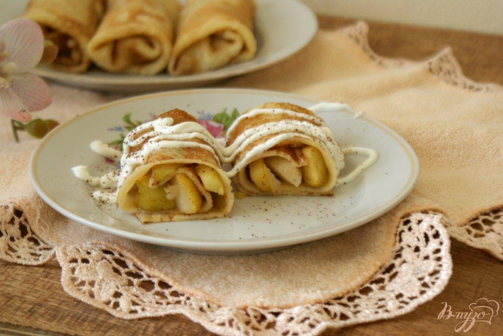 Фото приготовление рецепта: Блинчики с карамелизованными фруктами шаг №10