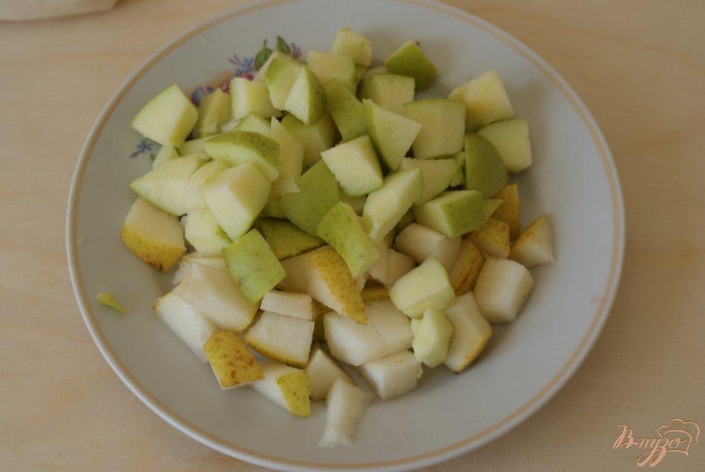 Фото приготовление рецепта: Блинчики с карамелизованными фруктами шаг №6