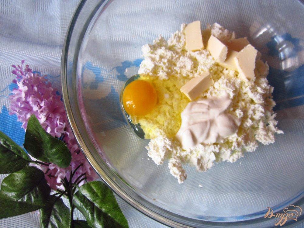 Фото приготовление рецепта: Сырные цветы шаг №1
