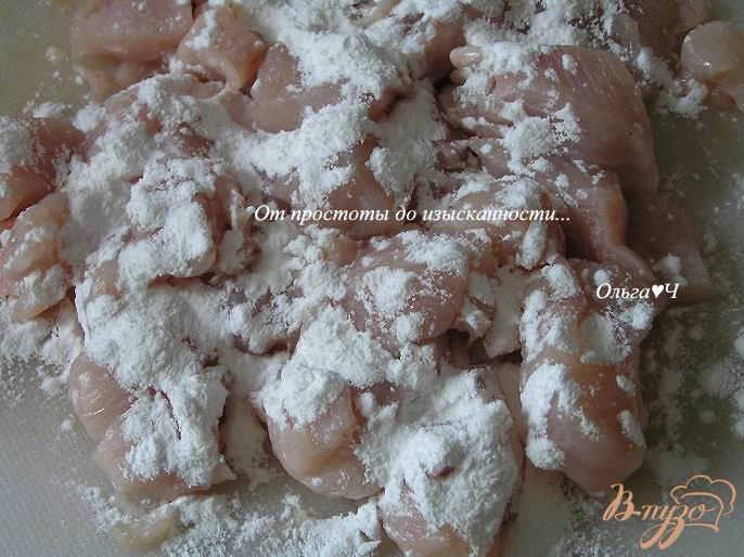 Фото приготовление рецепта: Куриное филе в соевом соусе с кедровыми орешками и рисом шаг №1