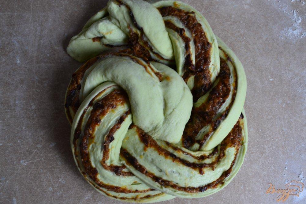 Фото приготовление рецепта: Сдобные пироги из мятного теста шаг №12