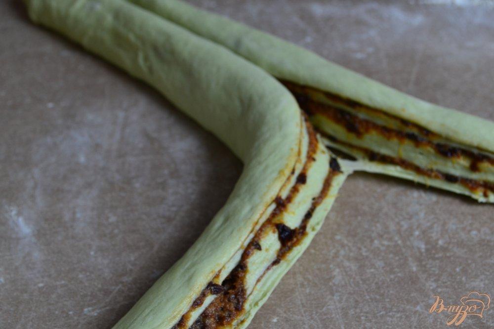 Фото приготовление рецепта: Сдобные пироги из мятного теста шаг №11