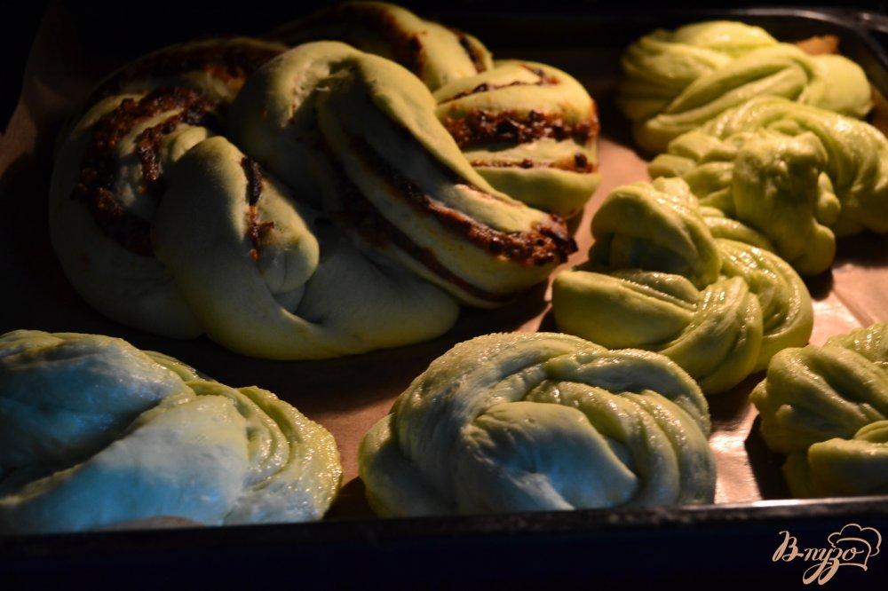 Фото приготовление рецепта: Сдобные пироги из мятного теста шаг №14