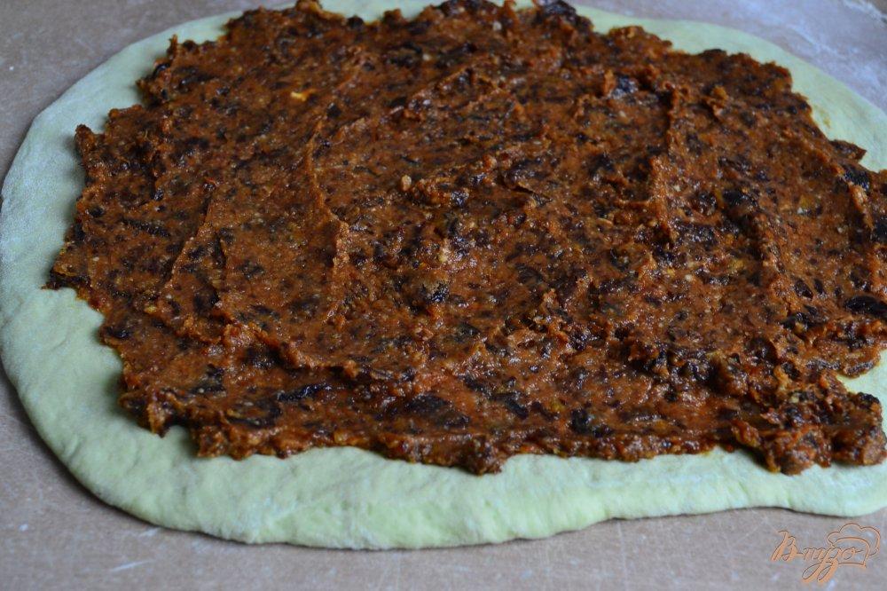 Фото приготовление рецепта: Сдобные пироги из мятного теста шаг №10