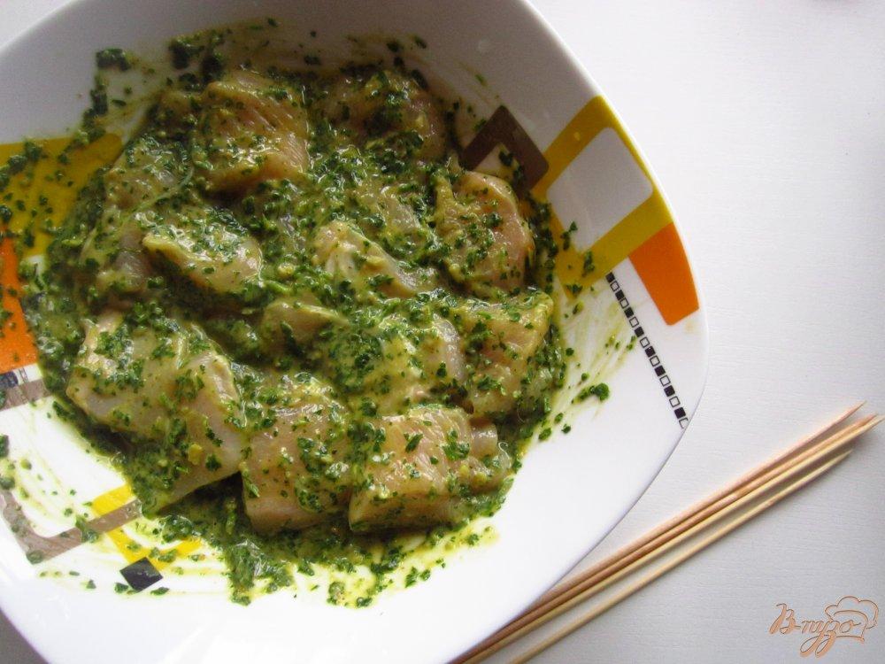 Фото приготовление рецепта: Куриный шашлык в ореховом соусе шаг №3