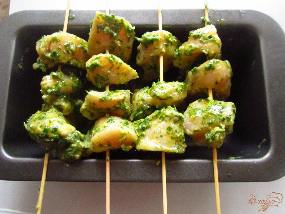 Фото приготовление рецепта: Куриный шашлык в ореховом соусе шаг №4