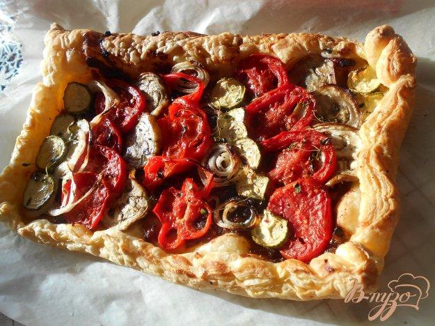 фото рецепта: Пирог с овощами и луковым мармеладом
