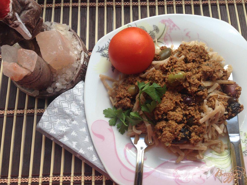 Фото приготовление рецепта: Макароны с тофу и оливками шаг №9