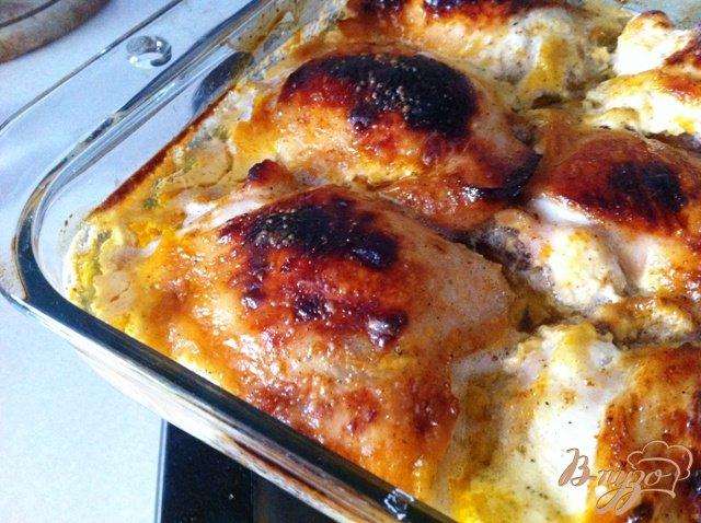 Фото приготовление рецепта: Куриные бедрышки в майонезе и мёде шаг №6