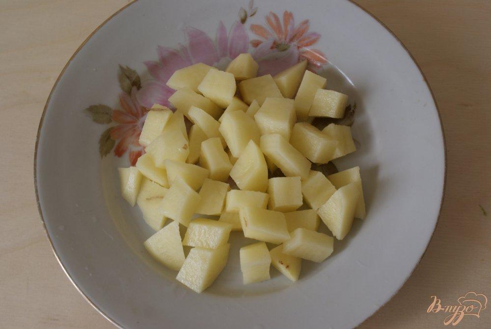 Фото приготовление рецепта: Суп с яичными блинчиками на курином бульоне шаг №6