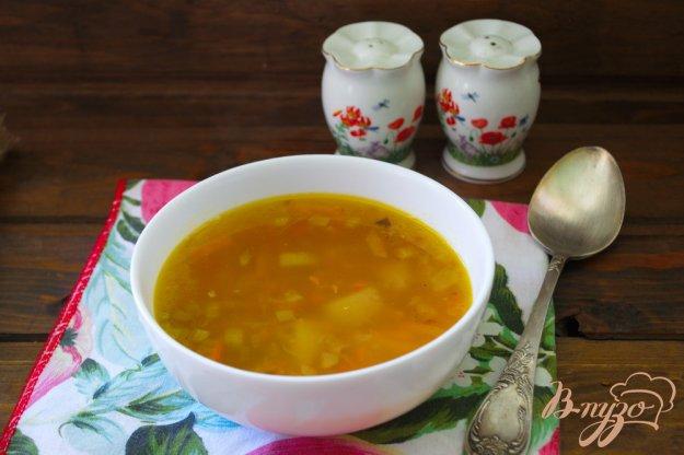 фото рецепта: Легкий рыбно-картофельный суп с консервами