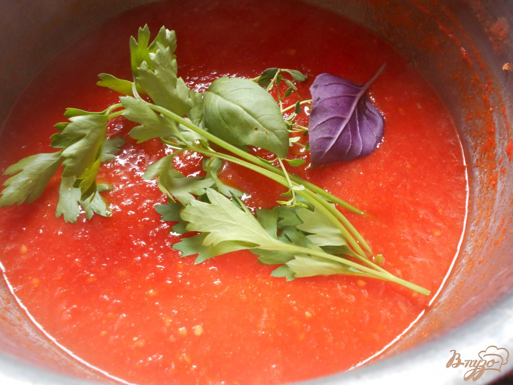 Фото приготовление рецепта: Томатный соус для пиццы и пасты шаг №10