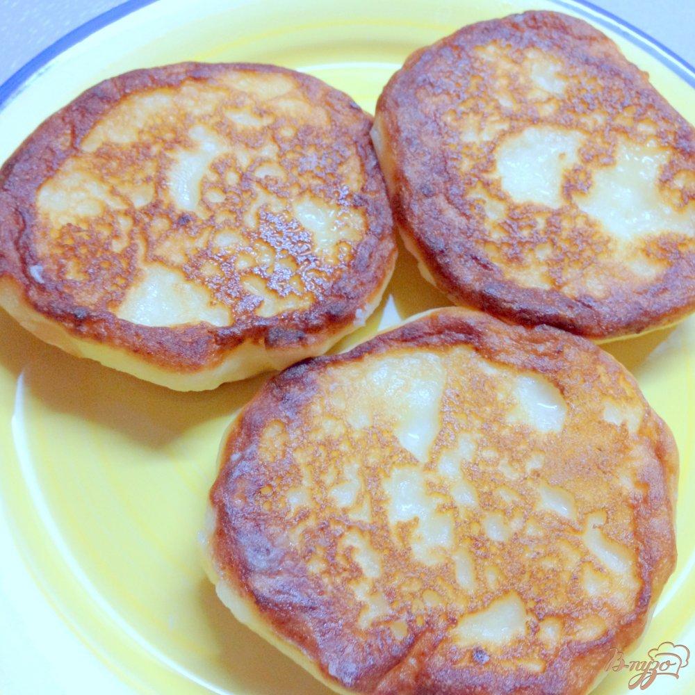 Фото приготовление рецепта: Сырники с финиками шаг №5