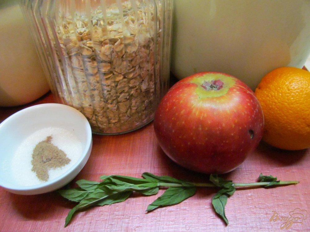 Фото приготовление рецепта: Полезный завтрак из овсяных хлопьев шаг №1