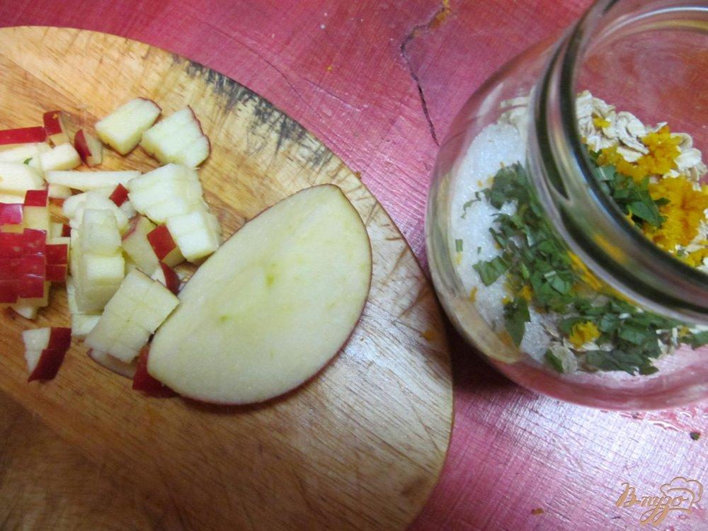 Фото приготовление рецепта: Полезный завтрак из овсяных хлопьев шаг №3