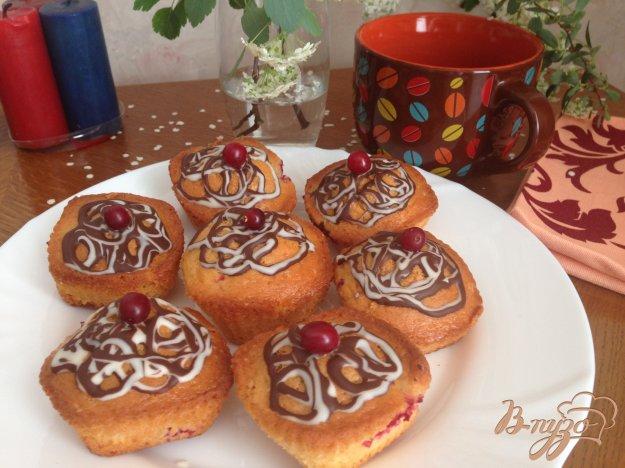 фото рецепта: Сметанные кексы с клюквой