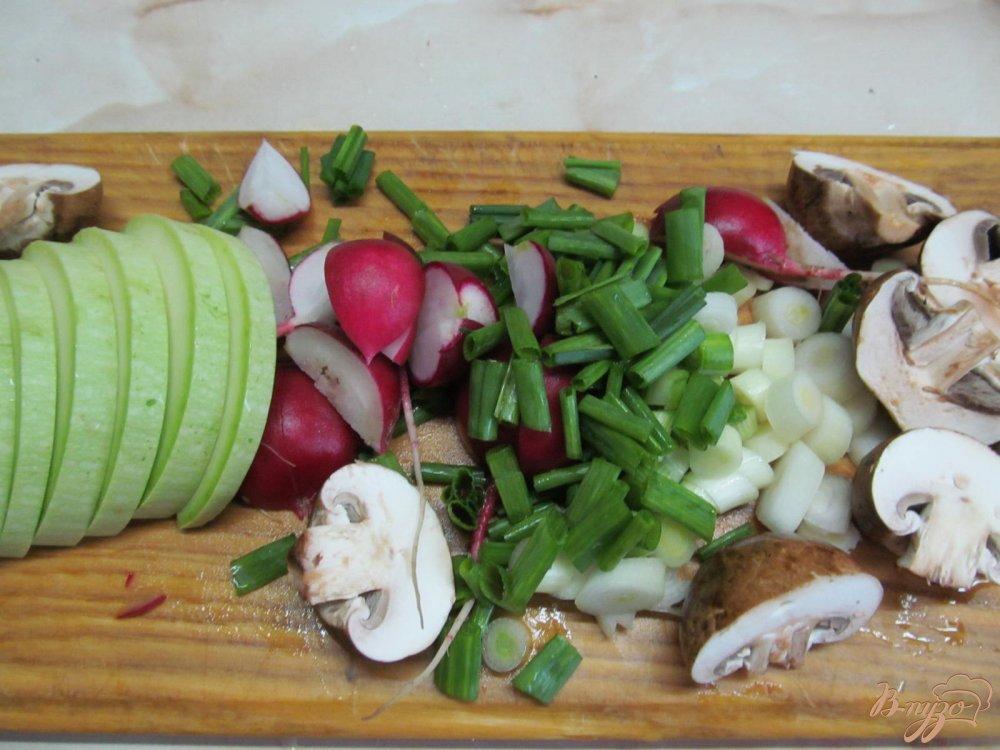 Фото приготовление рецепта: Свиной стейк с овощами в пергаменте шаг №4