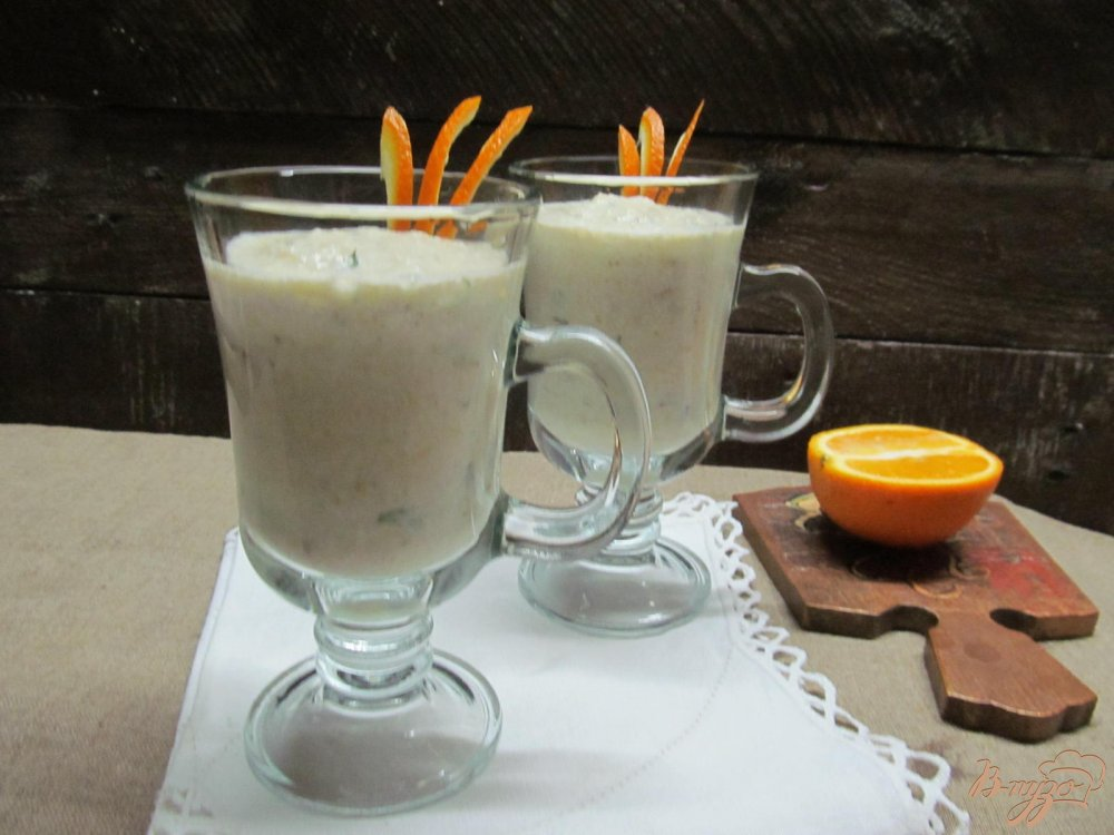 Фото приготовление рецепта: Смузи из яблока творога и апельсина шаг №4
